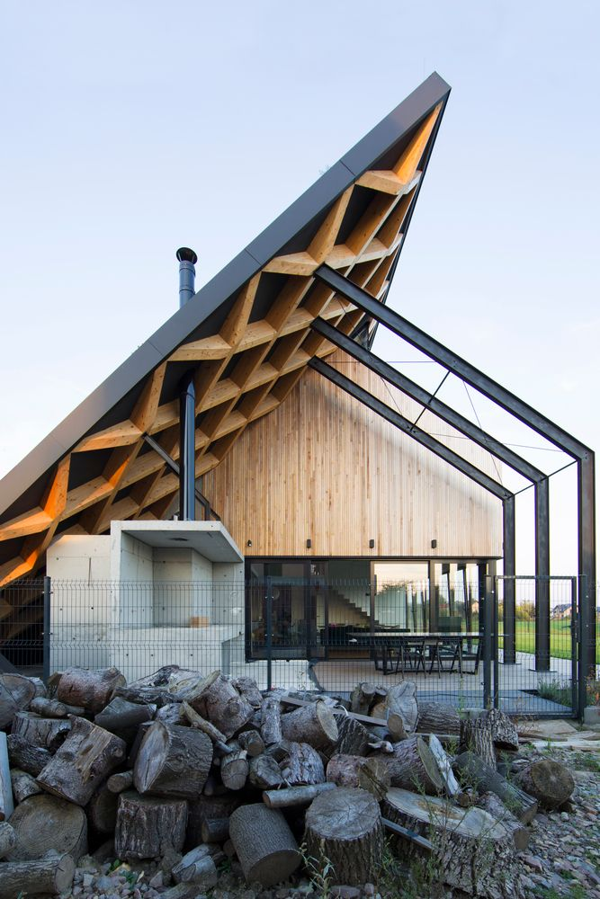 Gallery of House Behind The Roof  / Superhelix Pra