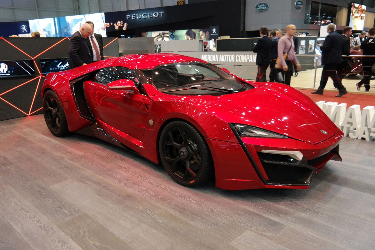 Worlds Most Expensive Super Car Most Expensive Car Expensive Cars Lykan Hypersport