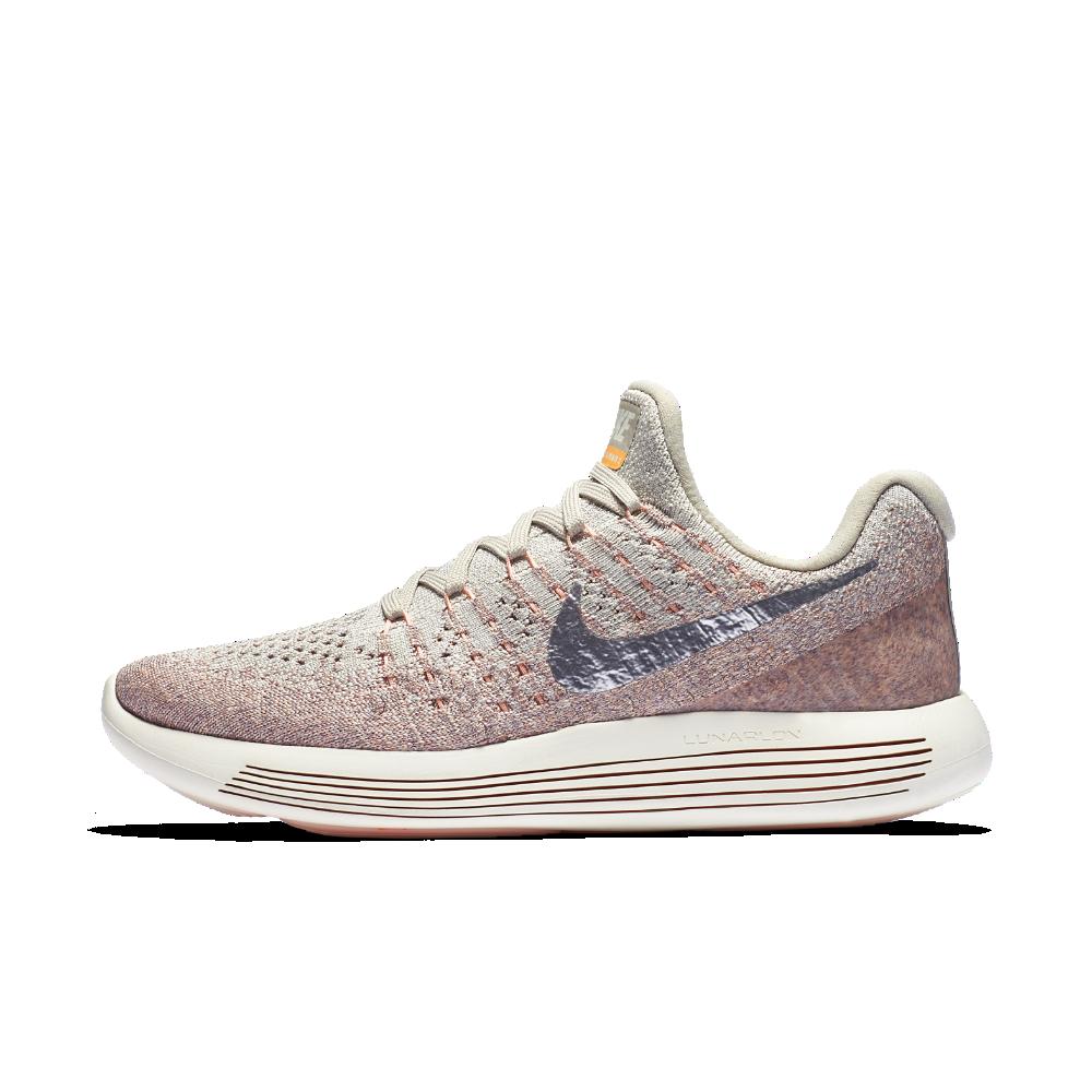 Nike Lunarepic Low Flyknit 2 Women S Running Shoe Size Pink Running Shoes Running Shoes Photography Running Shoes