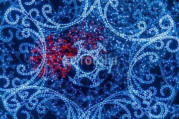 Weihnachtlicher Lichterglanz, Weihnachtsgrüße, Weihnachtsbeleuchtung, abstraktes Motiv für Weihnachtsgrußkarten, Vorfreude auf die Festtage, Vorweihnachtszeit