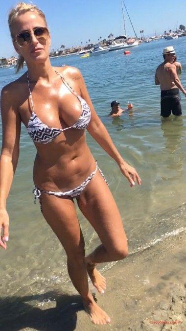 Big boob and huge ass
