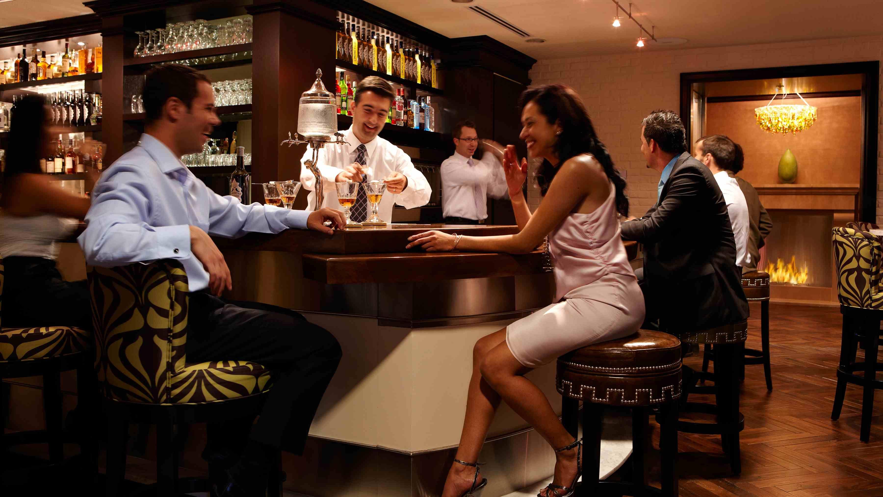 People at the bar | в баре | Бар