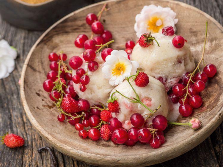Crème glacée vanille-fraise : découvrez les recettes de cuisine de Femme Actuelle Le MAG