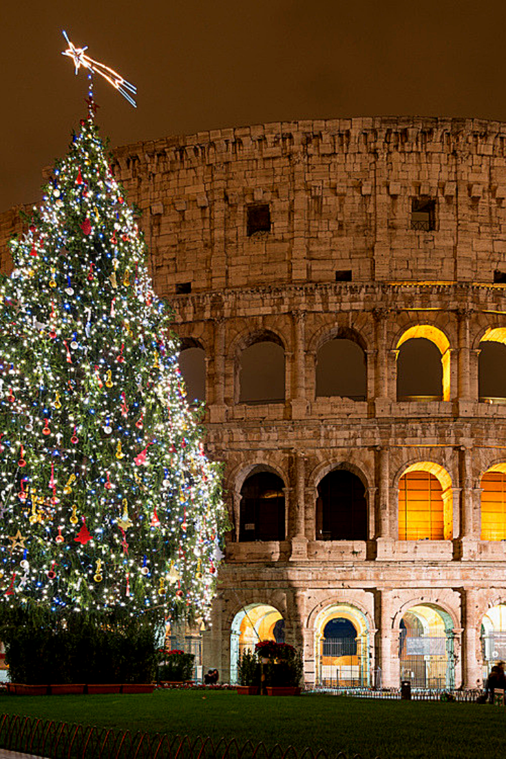 Where To Have Christmas Dinner In Rome Livitaly Tours Christmas In Rome Christmas In Italy Italy Photography