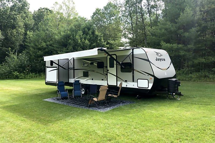 Rv Rentals Search For An Rv Rental Near You The Camper Connection Rv Rental Travel Trailer Rental Rent Rv