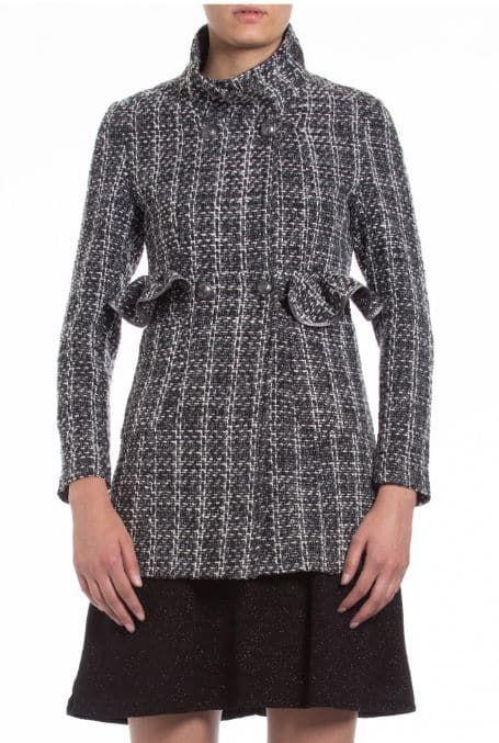 Presentiamo oggi la nuova collezione di Camomilla Italia abbigliamento autunno  inverno 2017 2018. Tante proposte c0e391e8162
