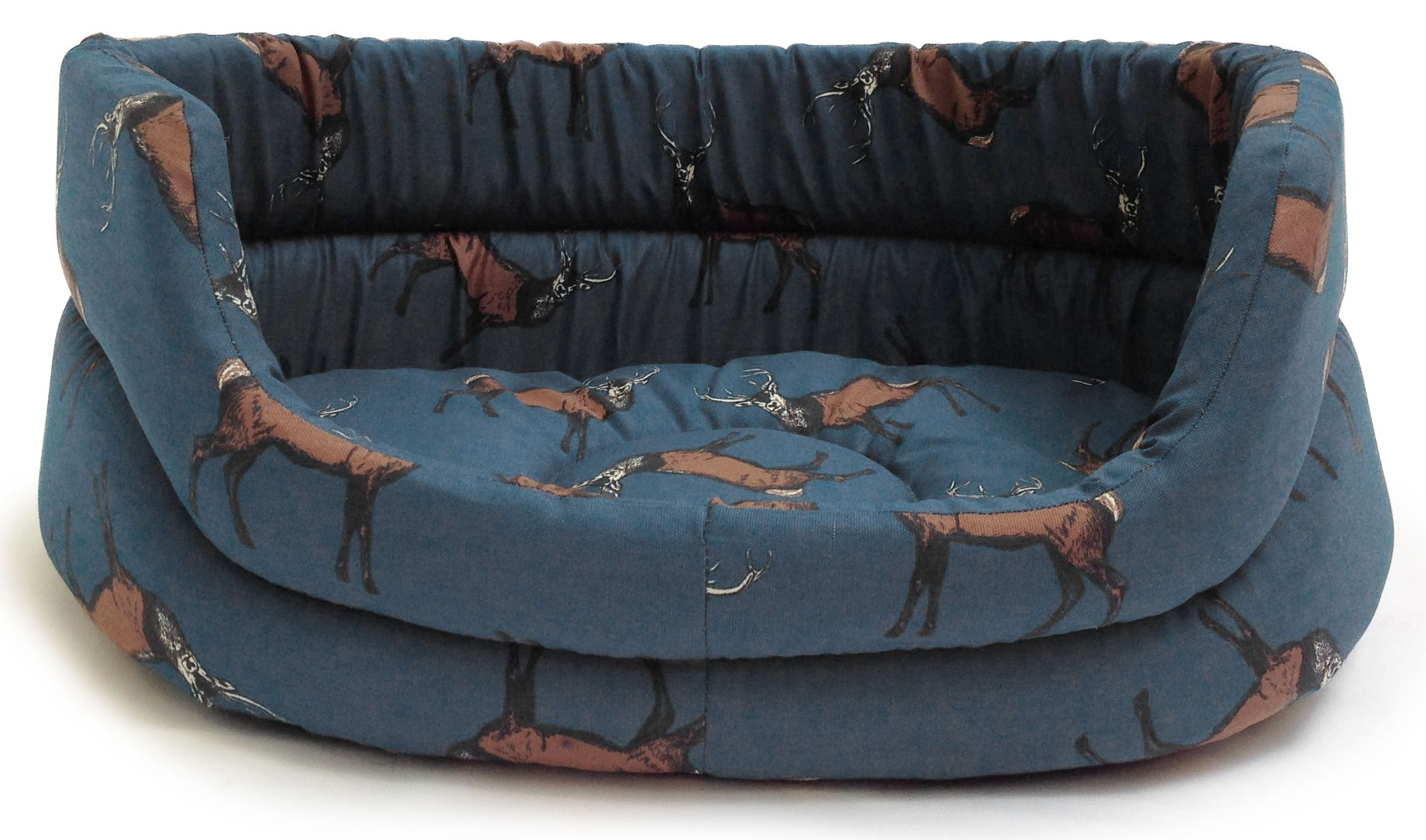 These luxurious Slumber beds are designed with functionality and style in mind. Made from 100% cotton and filled with a super soft thermal polyester fibre filling, they provide warmth and comfort for your pet. Each Slumber bed features a base which can be easily removed by velcro tabs for washing.