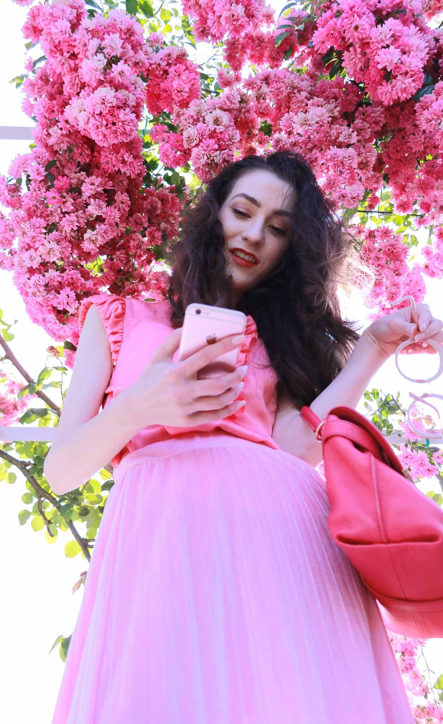 4f0f82968534 Fashion Blogger Veronika Lipar of Brunette from Wall Street wearing bold  red lips