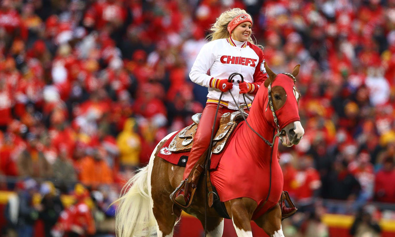 Kansas City Chiefs Mobile Susie And Warpaint During The Game Between The Kansas City Chiefs And The Los Angeles Red Leather Jacket Kc Chiefs Arrowhead Stadium [ 900 x 1500 Pixel ]