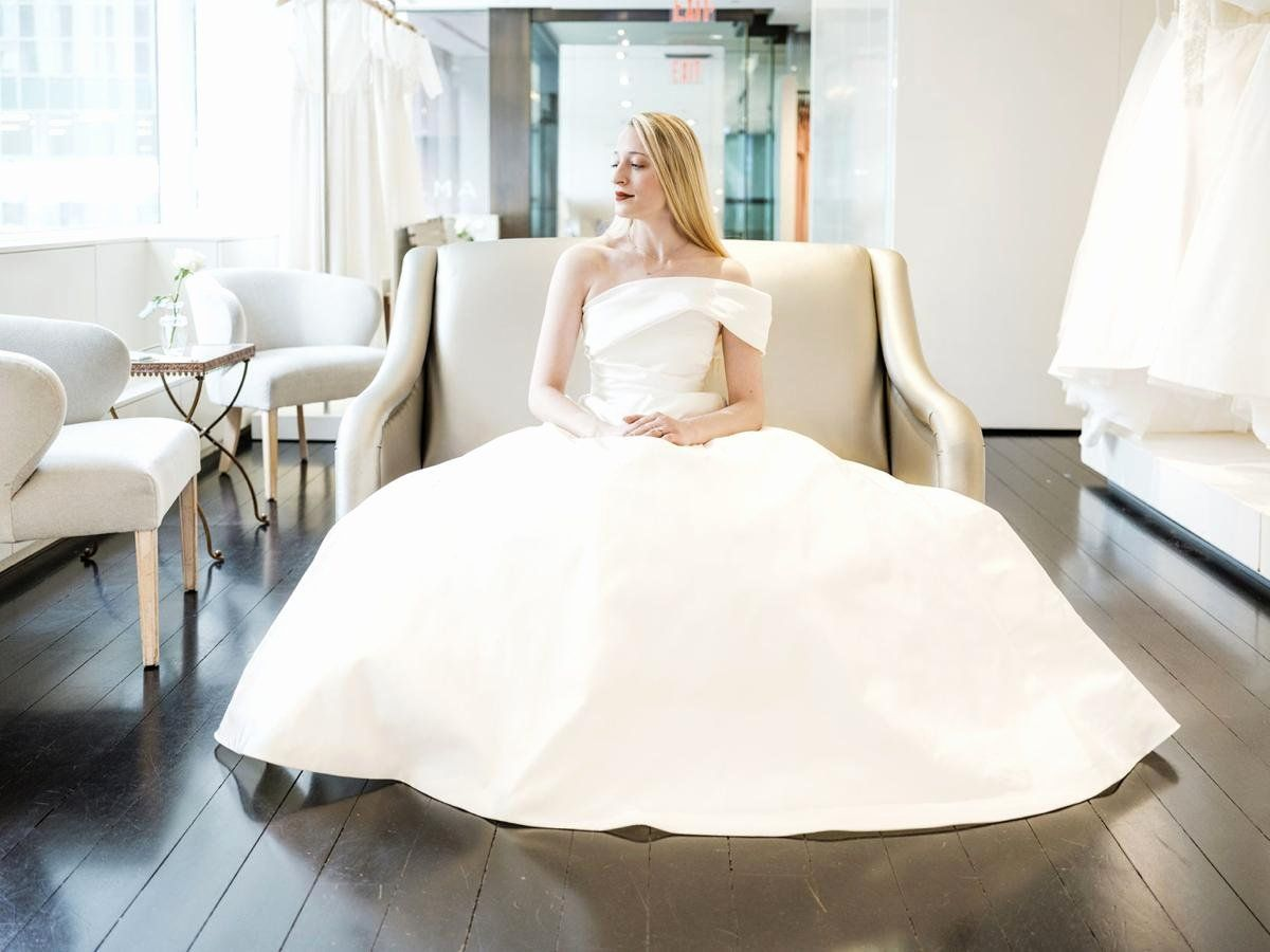 Make A Wedding Dress Game Online Free Elegant Site Offers Customized Wedding Gowns In A Few In 2020 Making A Wedding Dress Online Wedding Dress Wedding Dress Shopping