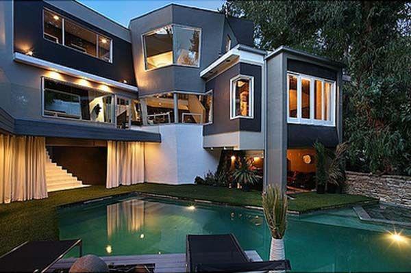 Strange Angular Interior And Exterior Home Design In East Hollywood Freshome Com House Designs Exterior House Exterior Beautiful Modern Homes
