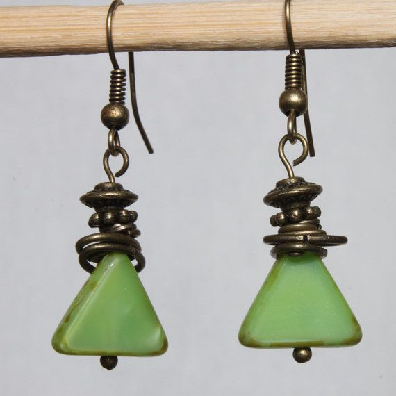 Green Earrings Czech picasso beads Geometric Earrings Color : Green Picasso Czech Glass Bead 12mm Triangle Finish : Antiqued Brass Size : 1,5