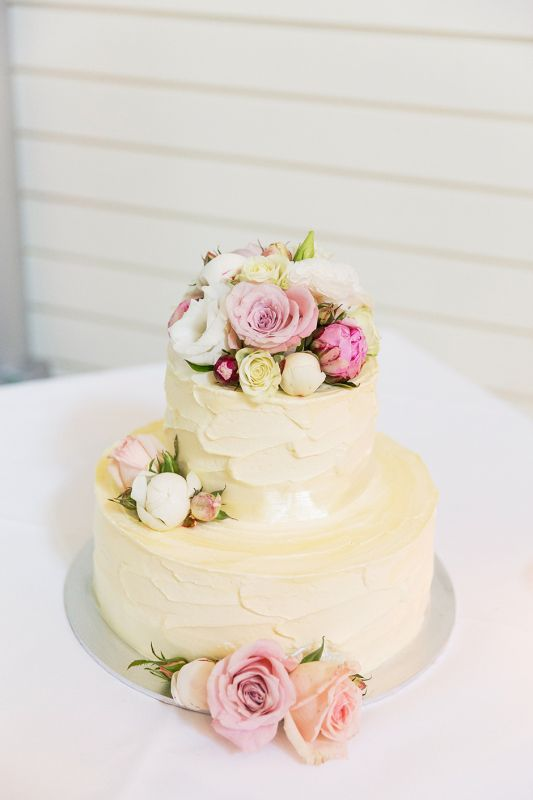 BRIDES IN BLOOM BCG113 Round 2 Tier Small Wedding Cake