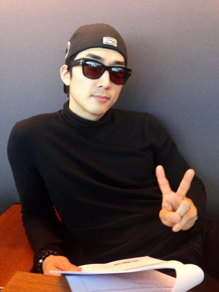 "Song SeungHeon (송승헌) on Twitter: ""어디로갈까?ㅎㅎ http://t.co/cu3imGGmJW"""