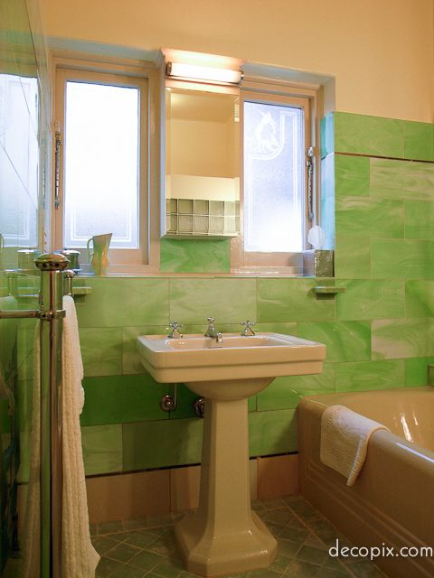 Bathroom melbourne australia bathroom in marbleized green agate vitrolite melbourne - Bathroom ideas melbourne ...