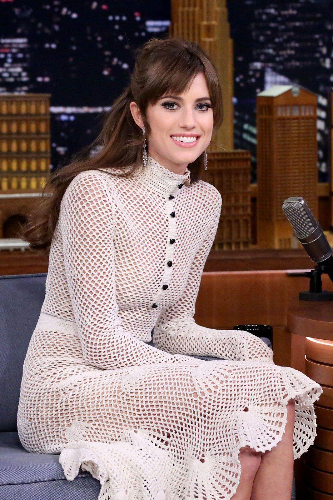 Allison williams wedding dress  The Best Beauty Looks of the Week Olivia Munn Jennifer Lawrence