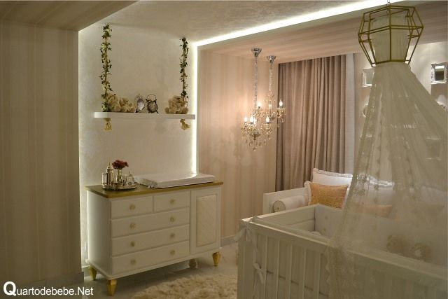 Enxoval de bebê dourado com detalhes luxuosos  Quartos, Detalhes and Do