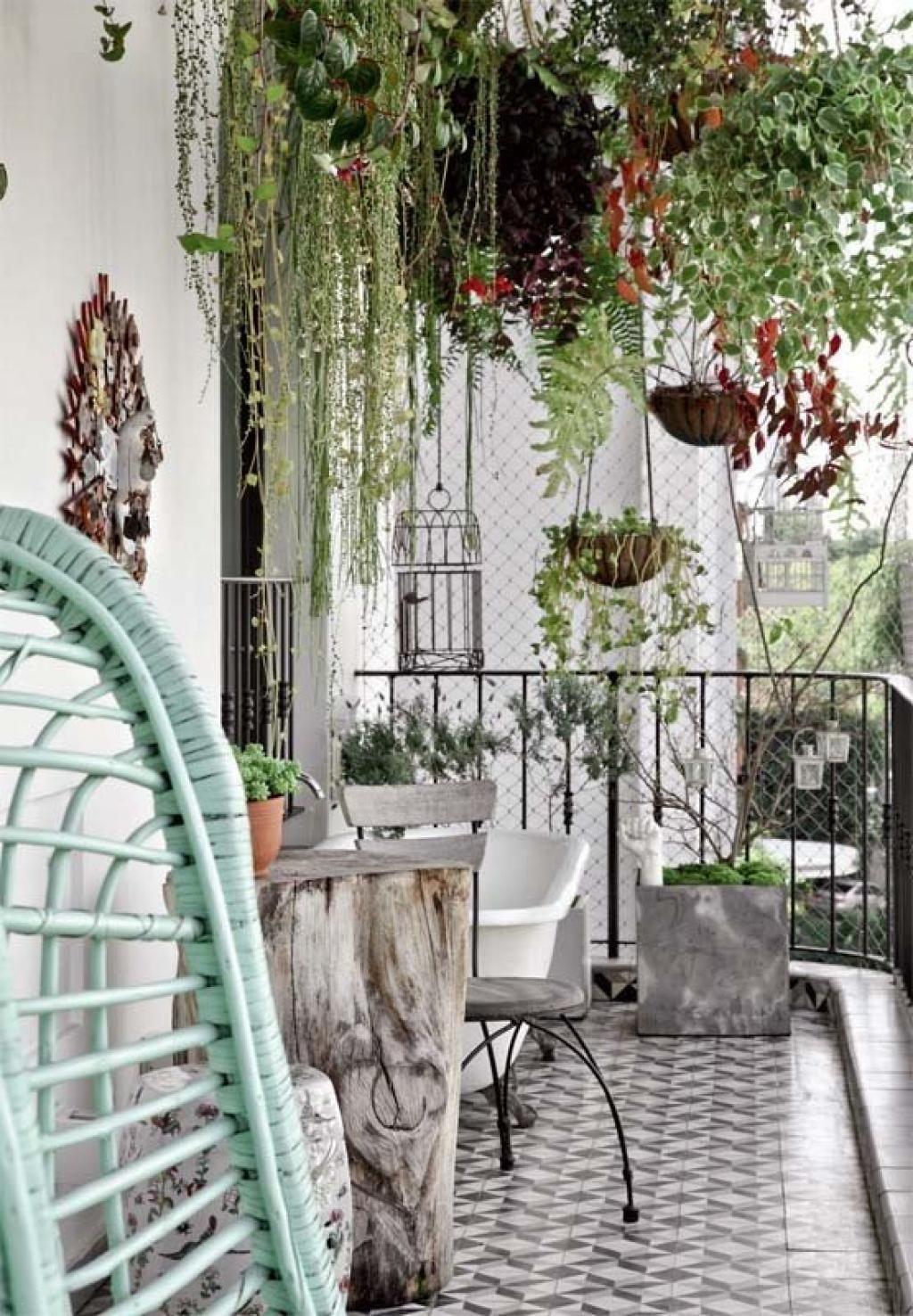 20 Fabuleuses Idees Pour Decorer Votre Balcon En Ville Ou