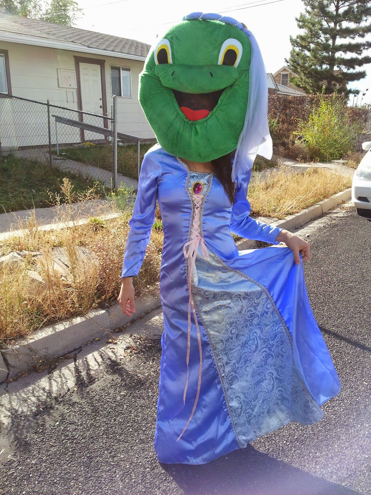 Quintessence: Story Book Parade What it's like to be inside a furry, hot costume!