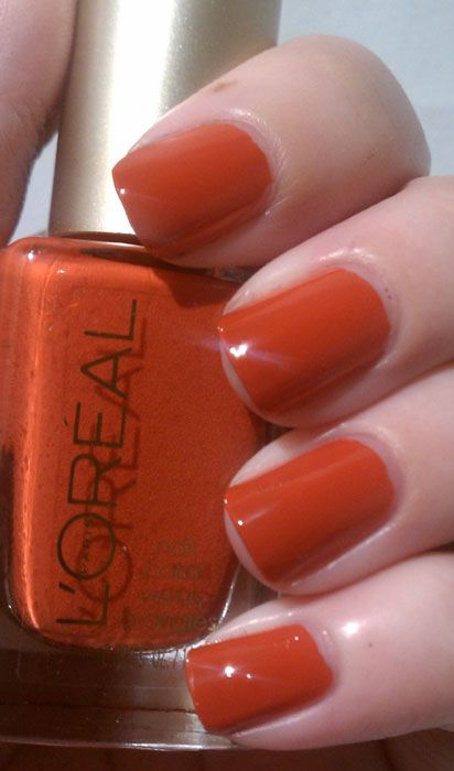 L Oreal Summer 2012 It S Gold Or Nothing At All Nail Lacquer Swatches And Reviews Paris Nails Lipstick Nails Nails