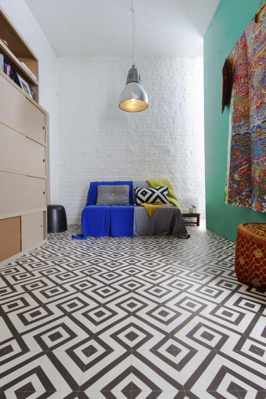 Geometry On Your Floor With Vinyl Ivc Group Vinyl Flooring White Vinyl Flooring Cushioned Vinyl Flooring