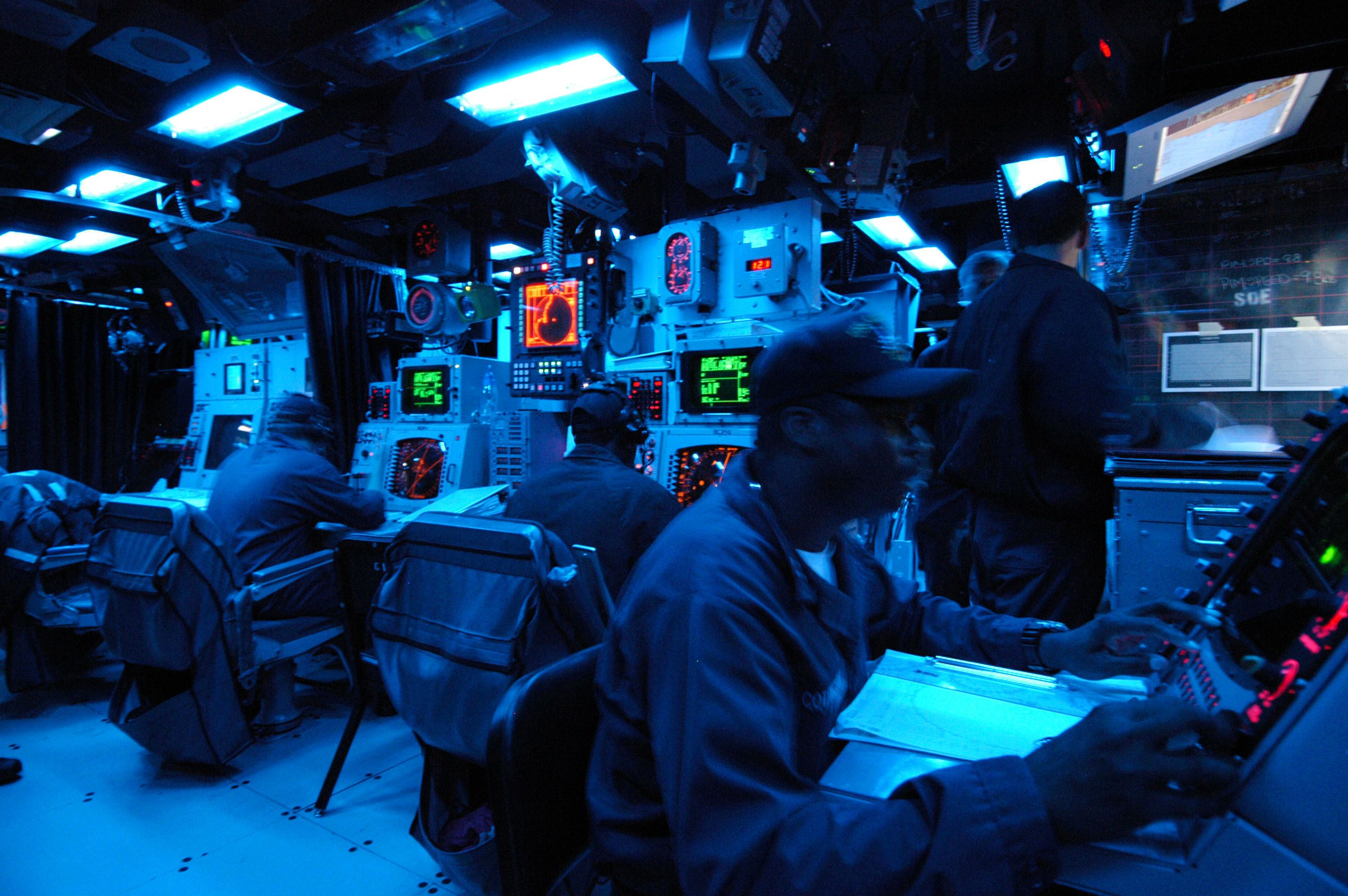 Pin By Dana Ta On Modern Warships Command And Control Nuclear Submarine Military
