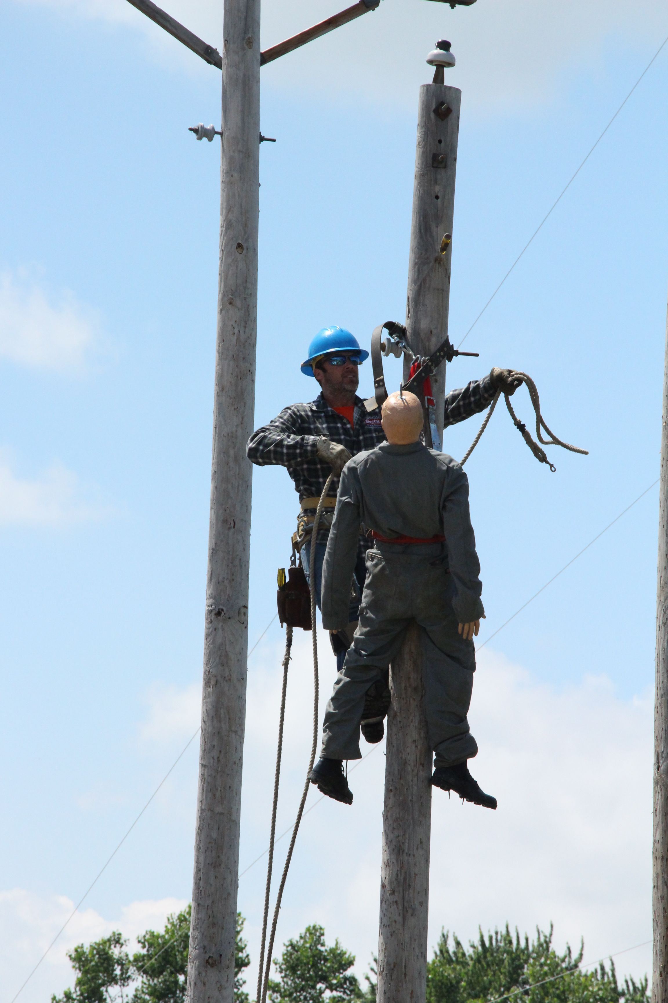 2015 pole top rescue training electrical safety lineman
