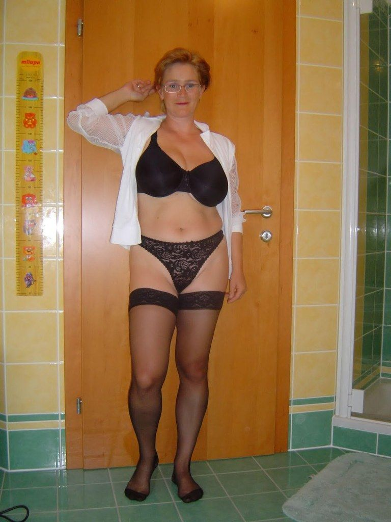 Non Nude Milfs And Mature Women - Milfs And Mature Grannies Sex  Granny  Pinterest-9101