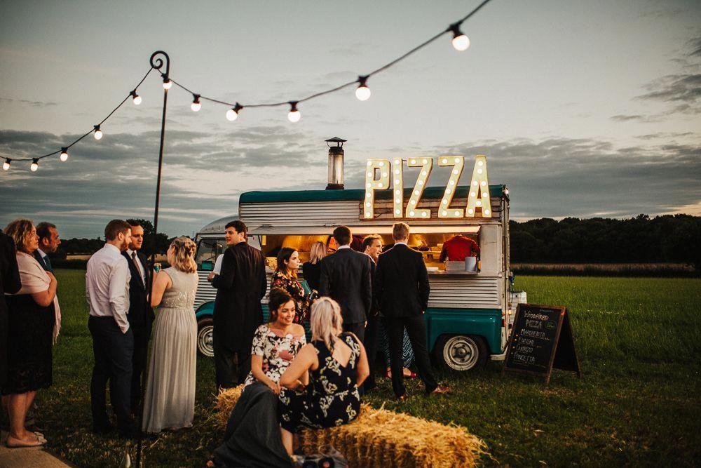 Whimsical Countryside Sperry Tent Wedding Pizza Hochzeit Party Nach Der Hochzeit Festzelt Hochzeit