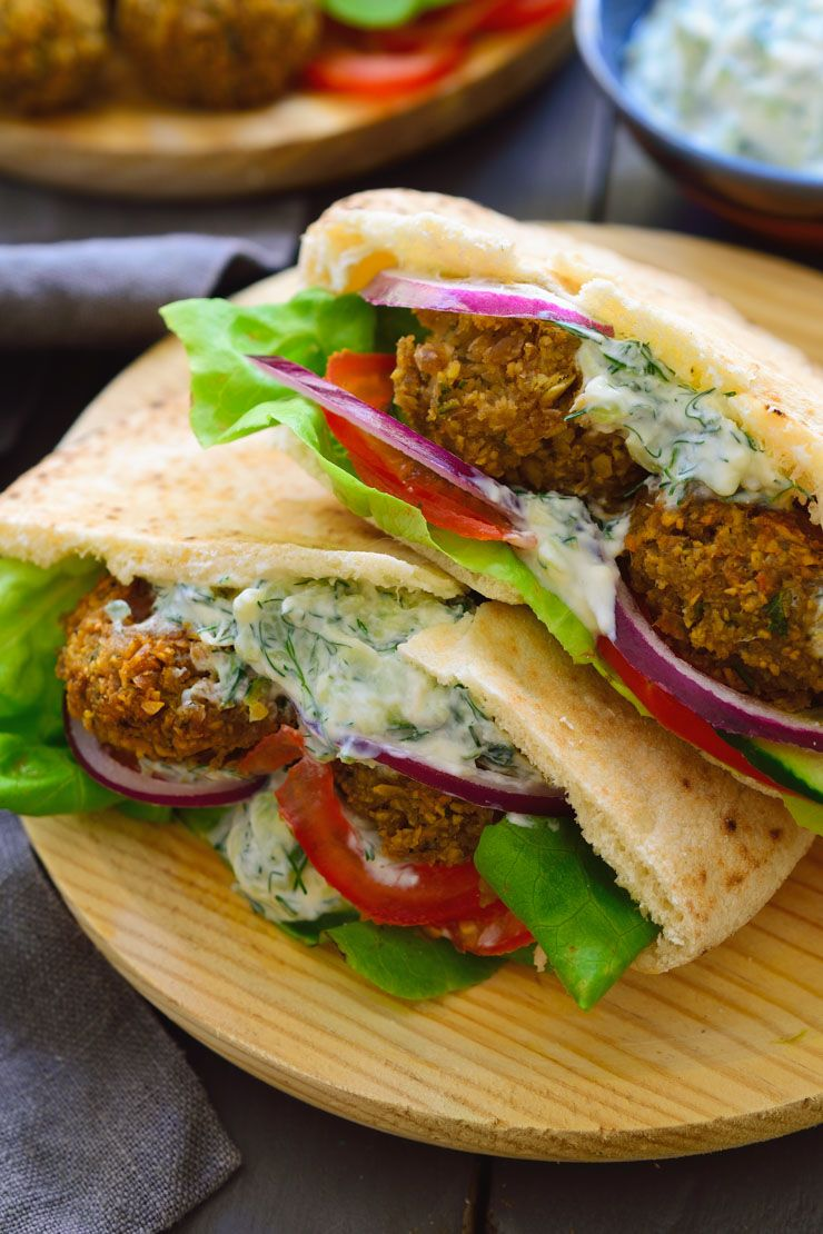 An Easy Vegan Falafel Recipe Served In Pita Bread With Veggies And Vegan Tzatziki Sauce Best Falafel Recipe Vegan Falafel Recipe Falafel Recipe