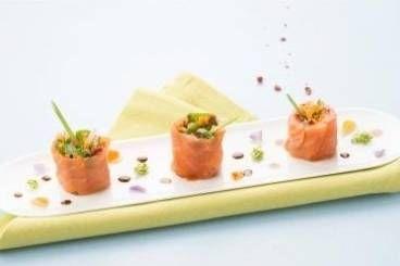 Roul de saumon fum pousses de soja et vinaigrette for Entree originale et legere