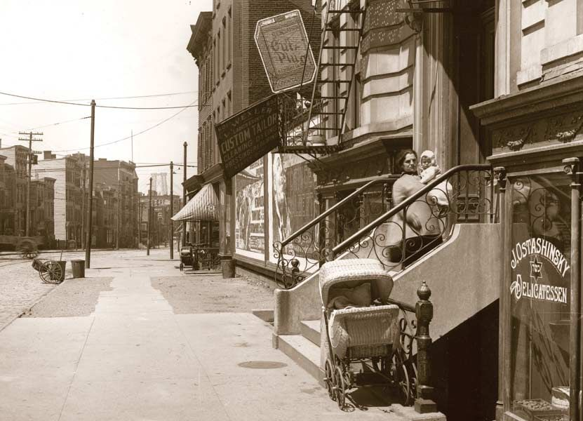 Metropolitan Avenue Williamsburg Brooklyn 1916 New York City