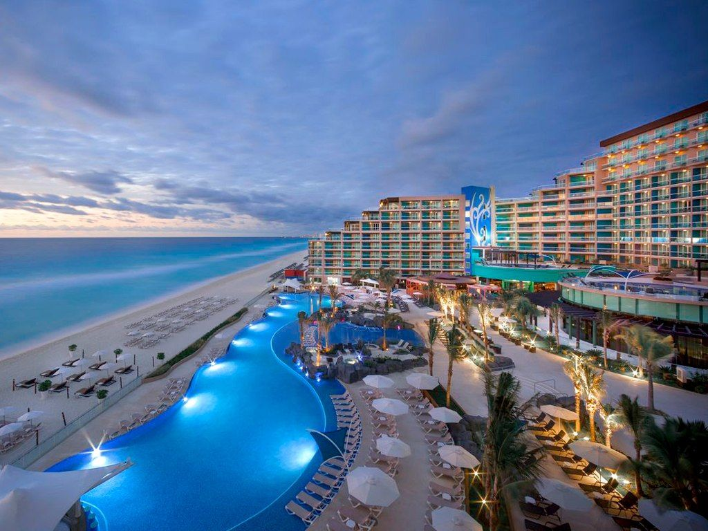 Hard Rock Hotel Cancun To Live Like A Star Means Never Being Far Away From The Action Lucky For You All Inclusive