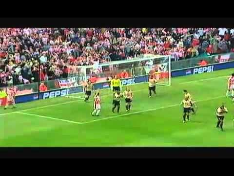 So this top draw save comes from Arsenal's David Seaman.  This piece of magic was against Sheffield United at Old Trafford in the FA Cup.