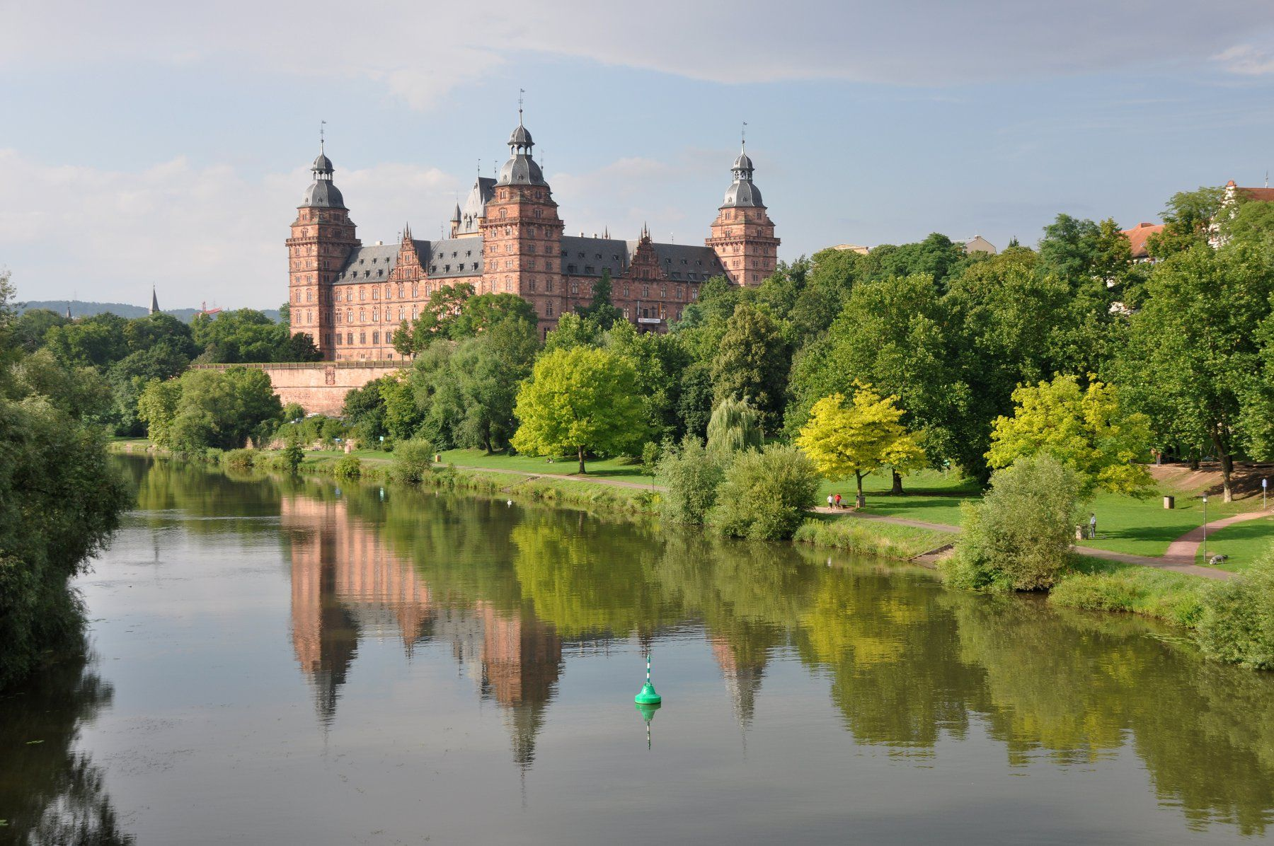 Schloss Johannisburg Aschaffenburg castle! This is in the town my grandparents live!