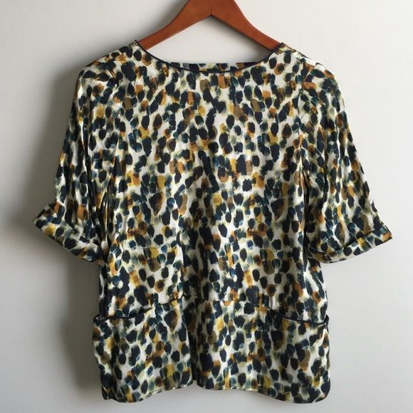 Zara Top Worn once and freshly dry cleaned. In great condition. Great with jeggings or bandage skirt Zara Tops
