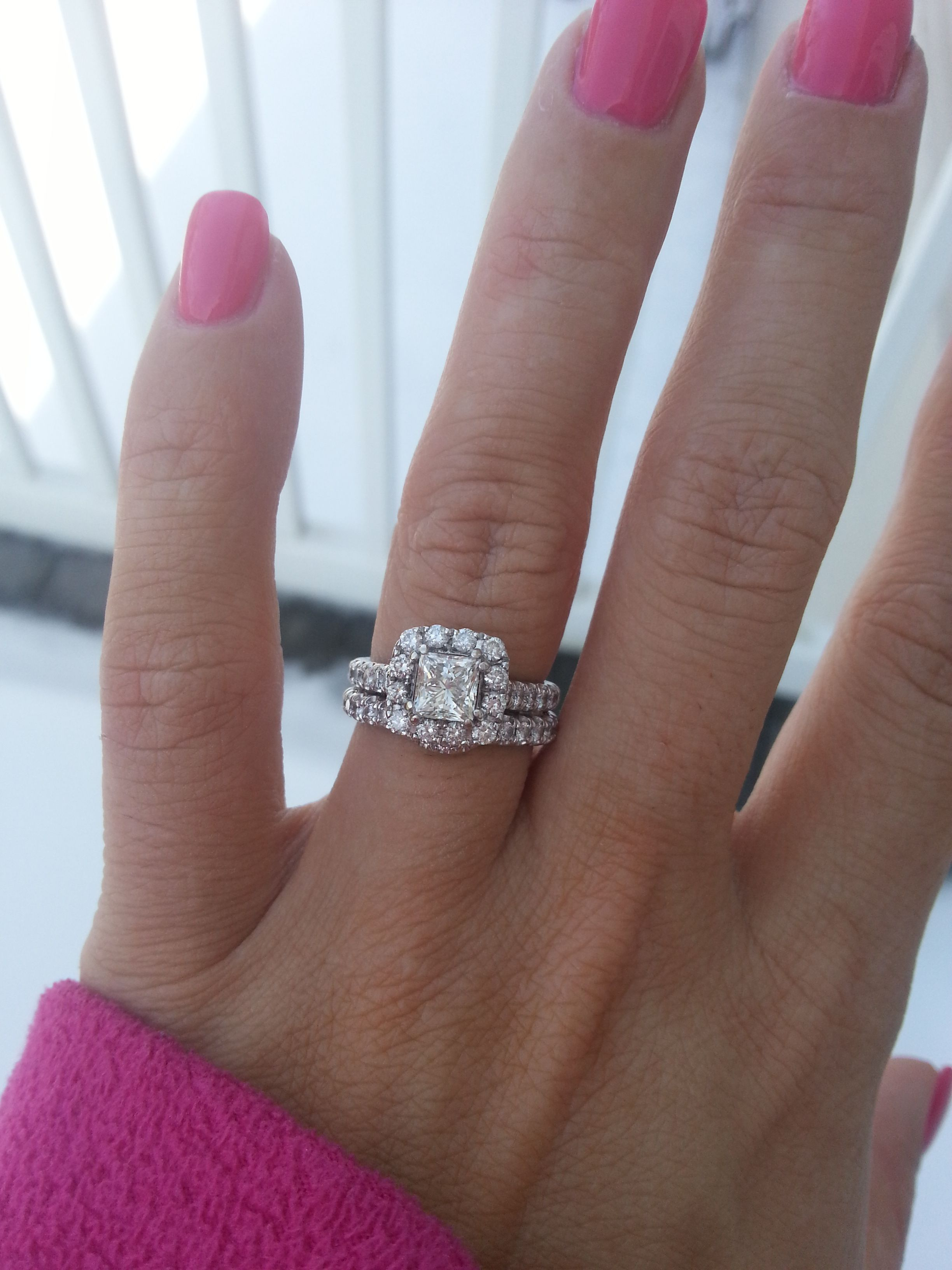 Pics of Neil Lane 1 5 ct Halo Engagement Ring on 4 5 size Finger