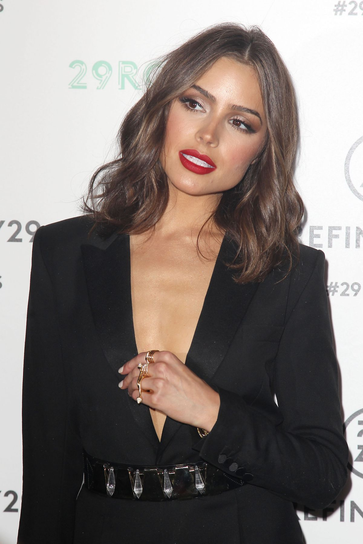 fancy black outfit red lips 14