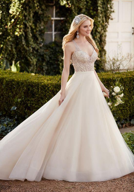 Wedding Dresses: Illustration Description Martina Liana wedding ...