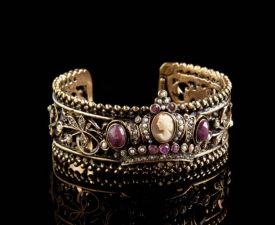 Bracelete artesanal italiano com Cristais Swarovski e Granadas.