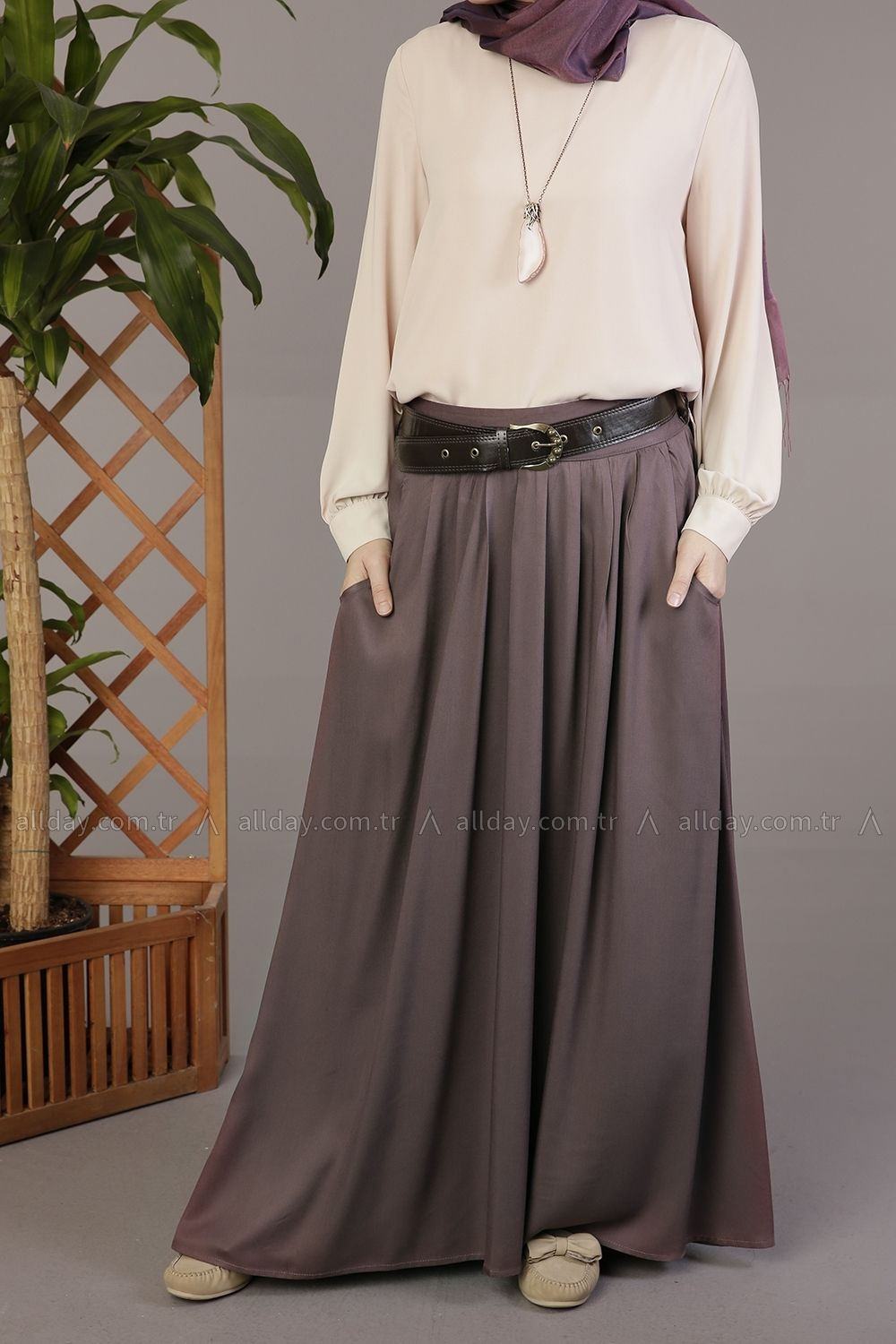 270b35854d An amazing outfit for every Muslim girl, Allday Turkish fashion, maxi skirt  with a blouse, new fall hijab style