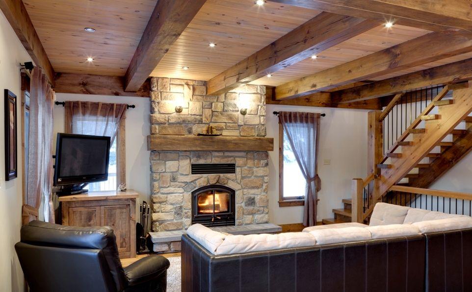 agr able decoration poutre en bois 2 structure de poutres en bois massif evtod salon. Black Bedroom Furniture Sets. Home Design Ideas
