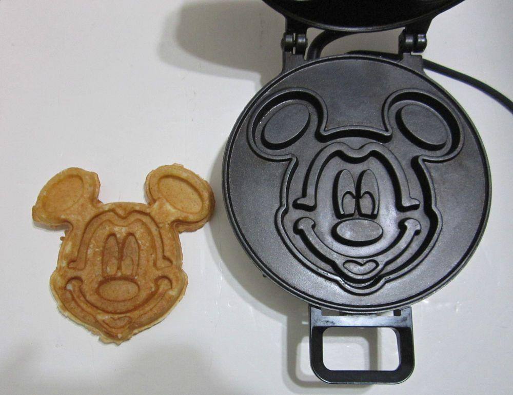 vintage vitantonio mickey 39 s waffler mickey mouse waffle. Black Bedroom Furniture Sets. Home Design Ideas