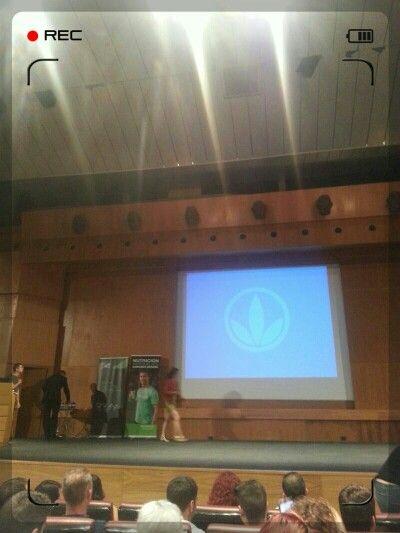 → Preparado ya para la conferencia del Dr. Julian López sobre Nutrición Deportiva.   → ¡Aprovechando el domingo!