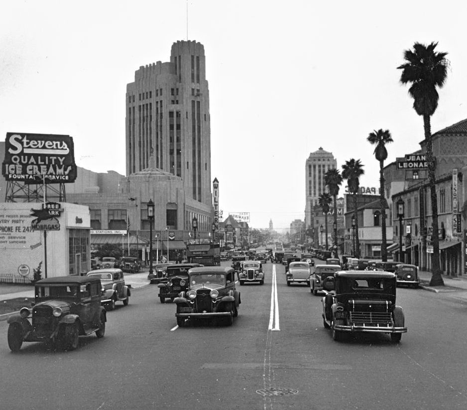 Los Angeles In The Mid Thirties The Old Motor Los Angeles History Vintage Los Angeles Old Photos