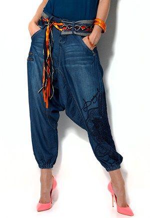 Desigual, Tejano Pants. Slækk harem stil for slække sommer dager.