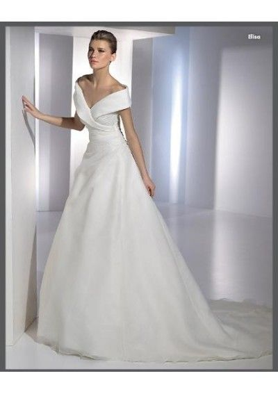 V-Neck with Ruched Waistline A-Line /Princess Skirt Organza Wedding