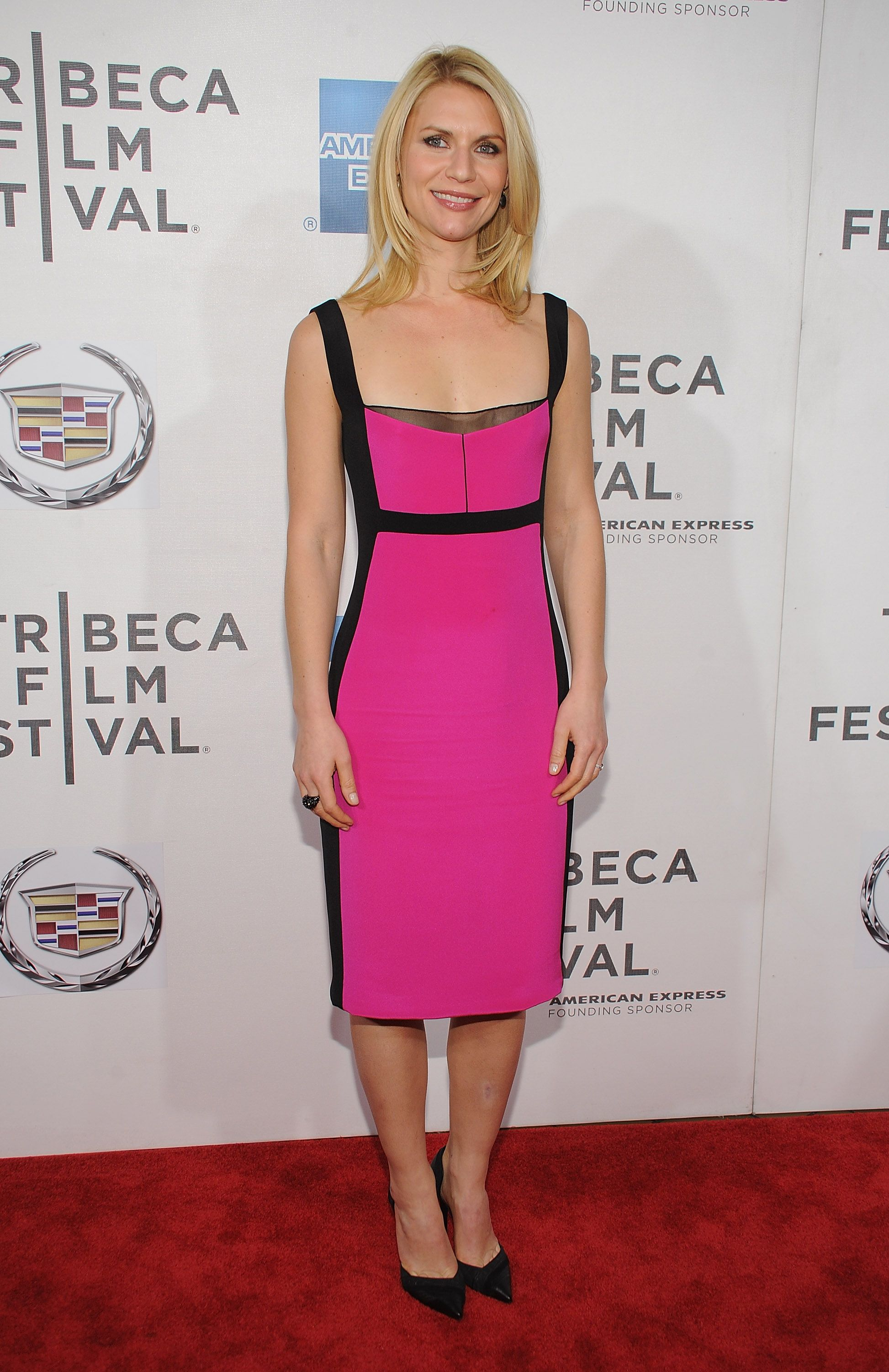 Claire-Danes-paired-pink-Narciso-Rodriguez-dress-black-heels.jpg ...