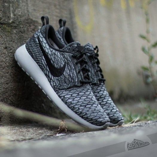 nike womens roshe one flyknit - dark grey/wolf grey/white/black