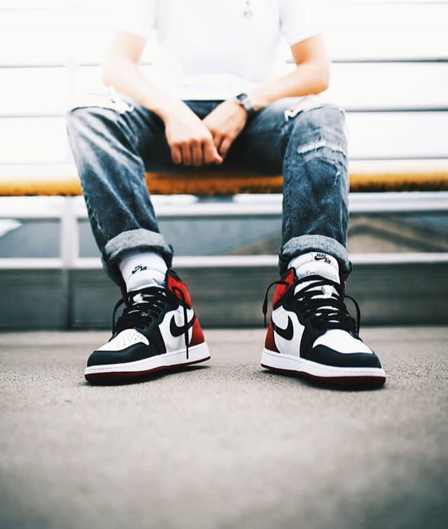 77eba12762e The Black Toe Jordan 1 looks clean on feet! It's a classic colorway. What  is your favorite Jordan silhouette? Tag #sneakersmag for a shoutout! by  @eskalizer ...